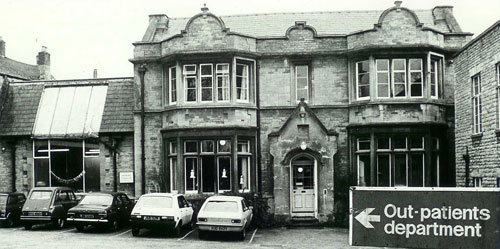 Chipping Norton War Memorial Hospital at Christmas in the 1980s